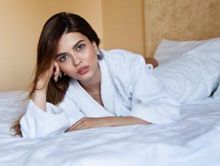 Ubrania do spania – koszulki, szlafroki, piżamy
